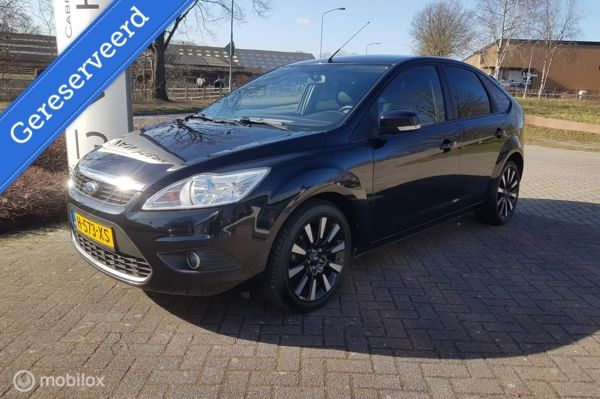 Ford Focus 1.8 Limited Black magic edition/5 drs/LEDER/AIRCO