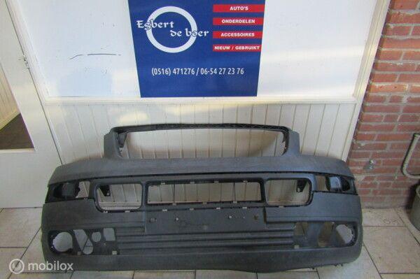 Voorbumper VW Transporter T5 bouwjaar 2003 t/m 2010