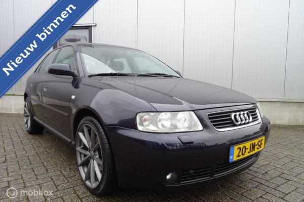 Audi A3 1.8 5V Attraction Uitvoering  ( 125 PK  ) & AUTOMAAT