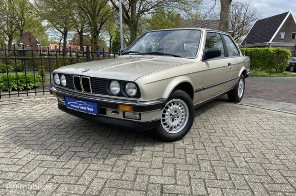 BMW 3-serie 320i Automaat, Youngtimer. Grote beurt.