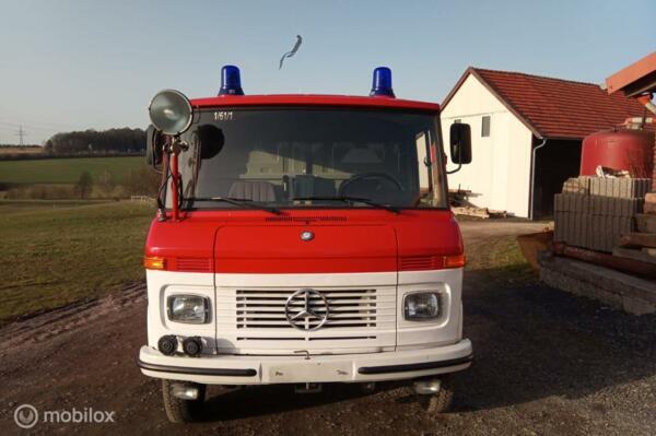 Mercedes 409 LF Benzine Kastenwagen 9000 Kilometer  NIEUW