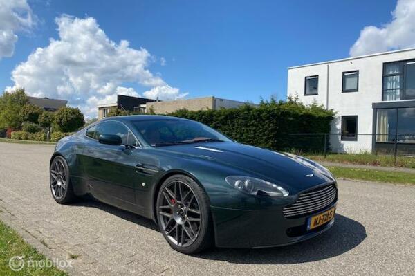 Aston Martin V8 Vantage 4.3 V8