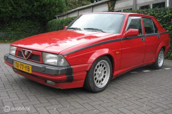 Alfa Romeo 75 3.0 V6 America 130dKm NAP orgineel NL geleverd