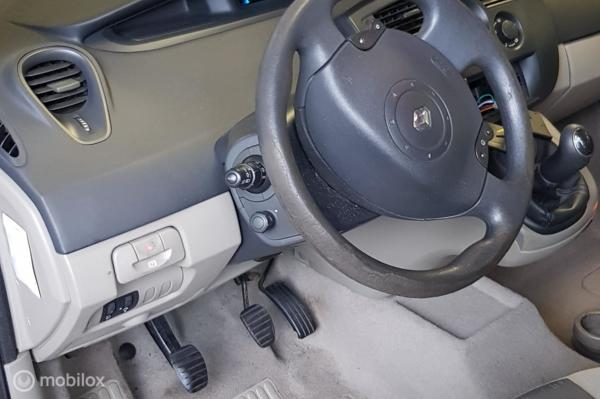 Renault Scenic 1.6-16V Expression Luxe