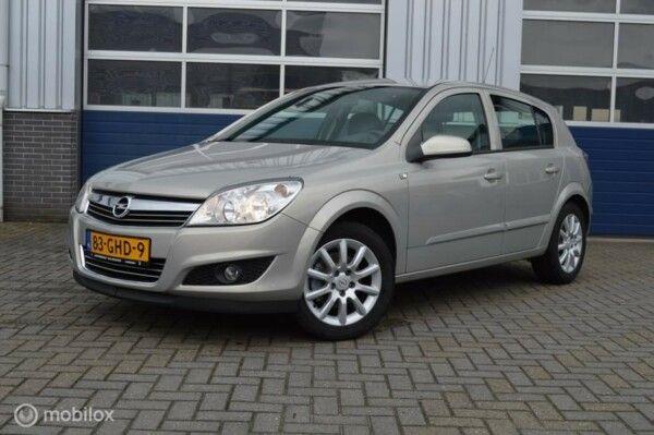 Opel Astra - 1.6 Temptation