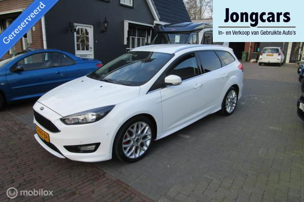 Ford Focus Wagon 1.5 Red Edition sport uitvoering 88000KM