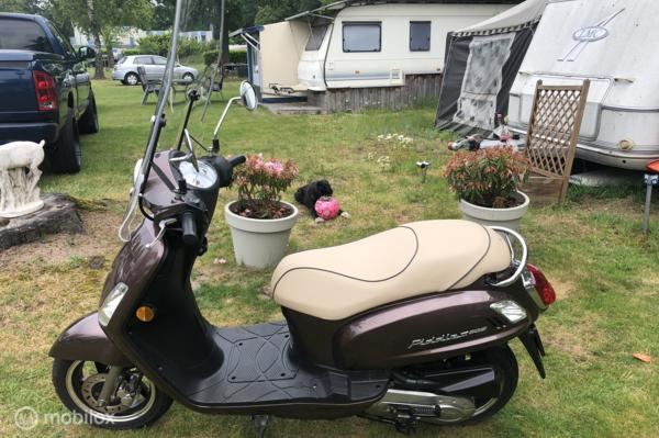 SYM Snorscooter Fiddle II