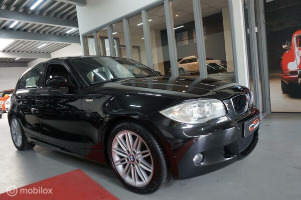 BMW 1-serie 116i Executive  CLIMATRONIC CRUISE XENON  5DRS VELGEN LEER