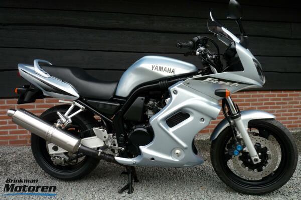 Yamaha FZS 600 Fazer / FZS600