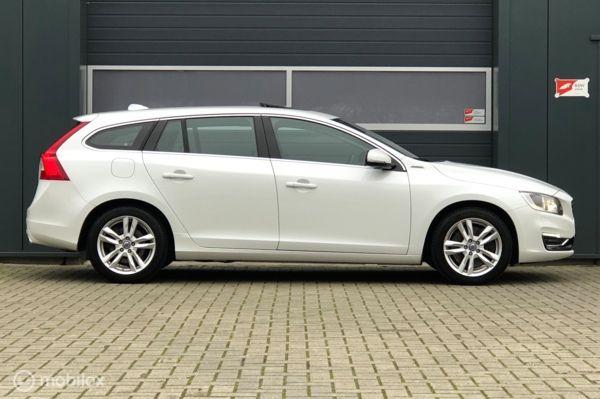 Volvo V60 2.4 D6 AWD Summum White Pearl! Adap.cruise MARGE