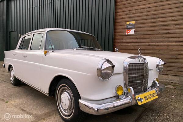 Mercedes W110 190
