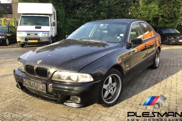 BMW 5-serie 528i Voor onderdelen