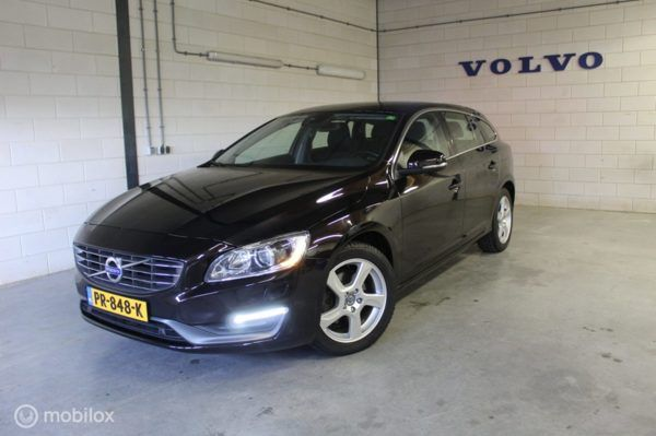 Volvo V60 - 2.0 D3 MOMENTUM AUTOMAAT . BUSINESS LINE , WINTER LINE , FAMILY LINE