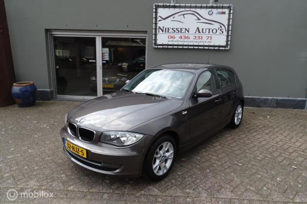 BMW 1-serie E87 LCI 118i Executive Leder/NAP/Nwe ketting