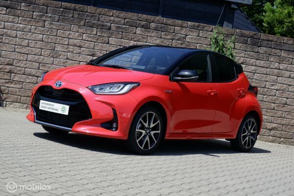 Toyota Yaris 1.5 Hybrid Launch Edition leer/nav/ecc/cam/lmv17