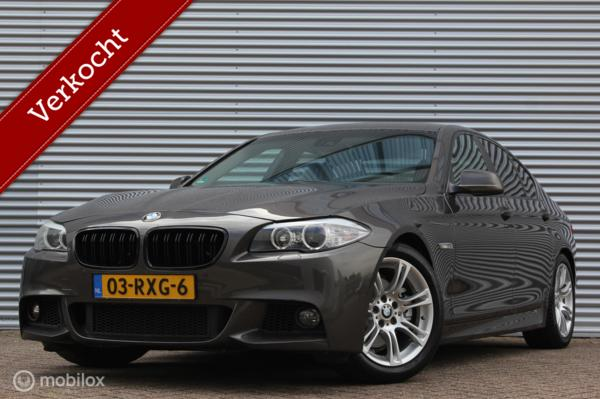 BMW 5-serie 523i High Executive /XENON/LED/GROOT NAVI/LEDER/STOELVERW./PDC V+A/18 INCH!
