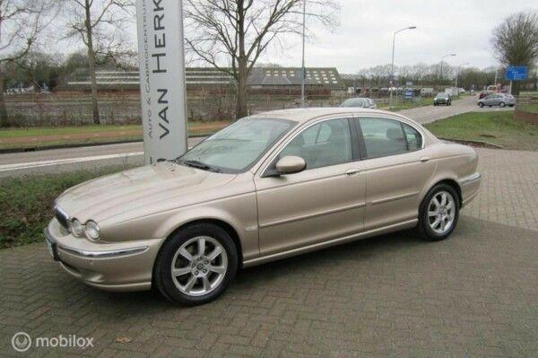 Jaguar X-type - 2.5 V6 Executive /AWD/*84328KM*/YOUNGTIMER/CLIMATE en CRUISE CONTROL/TREKHAAK/TELEF