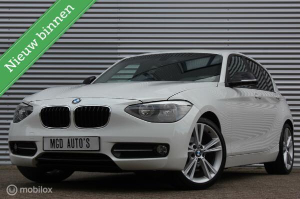 BMW 1-serie 116i Sportline /CLIMATE/STOELVERW./SPORTSTOELEN/18'' VELGEN/PDC!