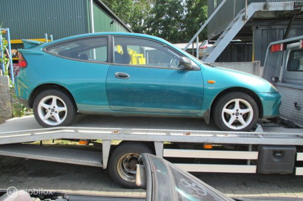 """Onderdelen Mazda 323 Coupe 1.8i-16V. """"98 100.451 km"""