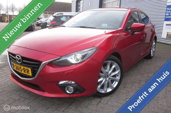 Mazda 3 2.0 SkyActive Sport /Airco/18'' lm velgen/Head up display/Key Less/Xenon/Stoelverw/Navi/Cruise/Trekhaak/
