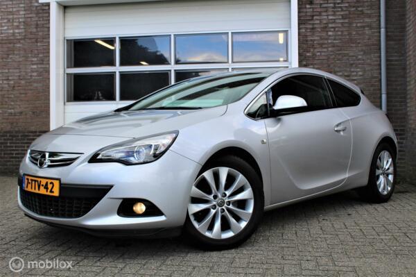 Opel Astra GTC 1.4 Turbo Design Edition