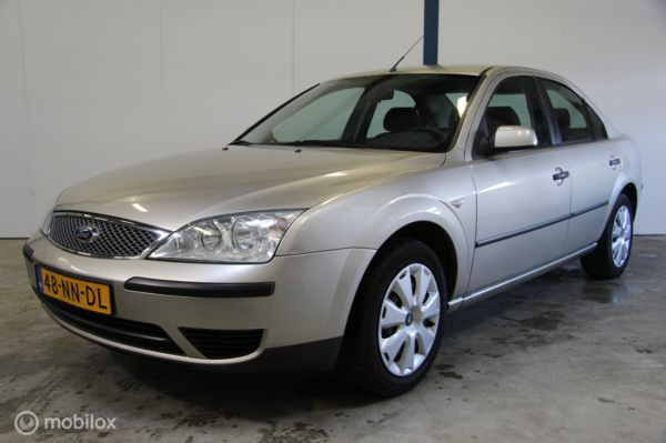 Ford Mondeo 1.8-16V Ambiente