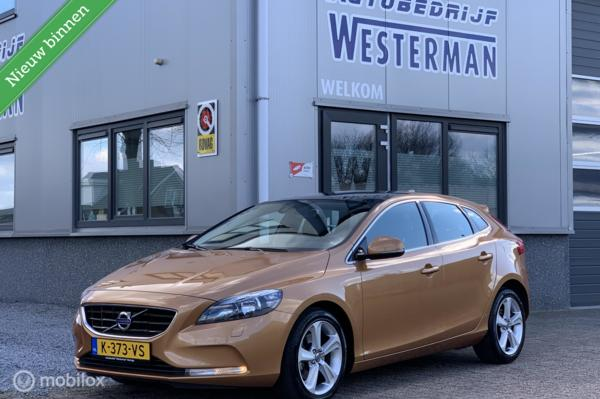 Volvo V40 1.6 T4 AUT Momentum !!41dkm!! Pano Clima Cruise etc.