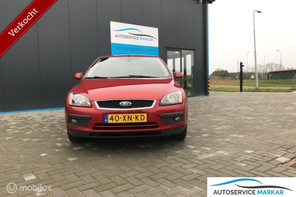Ford Focus 2.0-16V Futura IN nieuw staat.