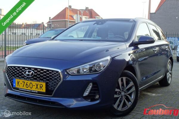 Hyundai i30 Wagon 1.0 T-GDI Comfort Navi / Camera / Lane assist / Pdc !!!