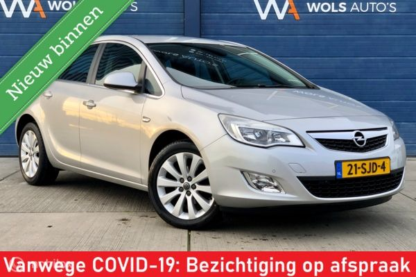 Opel Astra 1.4 Turbo Cosmo / NAVI / HALF-LEER / CRUISE!