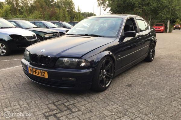 BMW 3-serie 323i Voor onderdelen