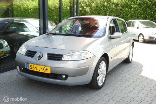 Renault Megane 1.6-16V Privilège Luxe