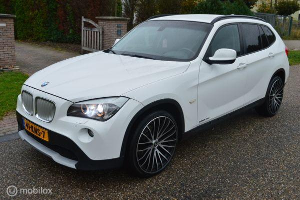 BMW X1 sDrive20d 177pk versie ! CiC/Navi/Camera/Xenon/20inch