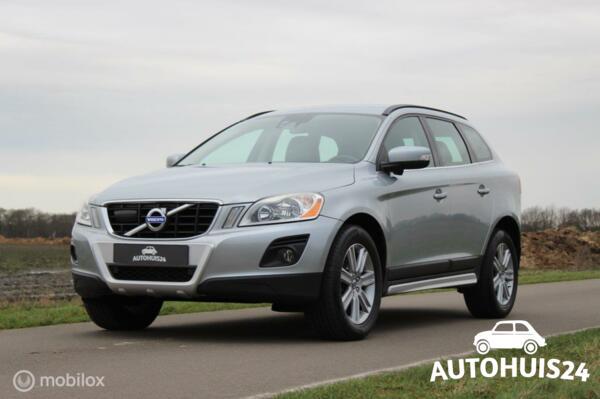 Volvo XC60 2.4 D5 205PK AWD Geartronic Momentum *FULL-OPTION *DriverSupportLine
