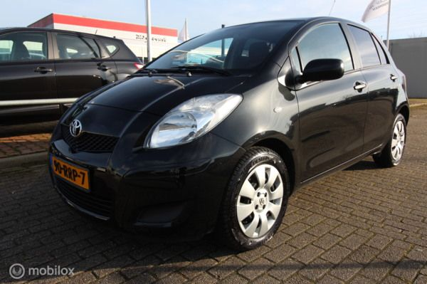 Toyota Yaris 1.3 VVTi Cool