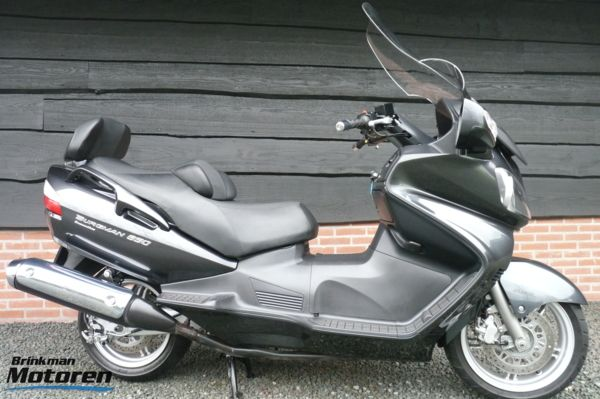 Zeer nette  AN 650 Burgman Executive ABS / AN650