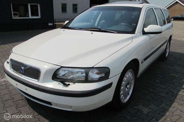 Volvo V70 2.4 69640 km, YOUNGTIMER, mooi en goed, bjr9-2001