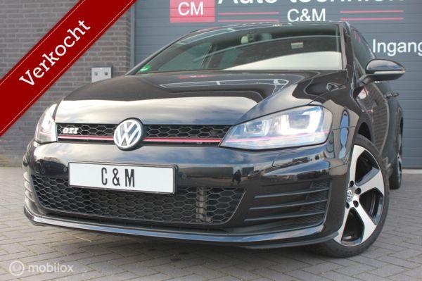 Volkswagen Golf 2.0 TSI GTI/XENON/LED/CAMERA/NAVI/PDC/DCC