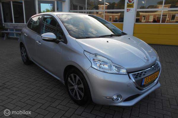 Peugeot 208 1.4 e-HDi Active Automaat !!