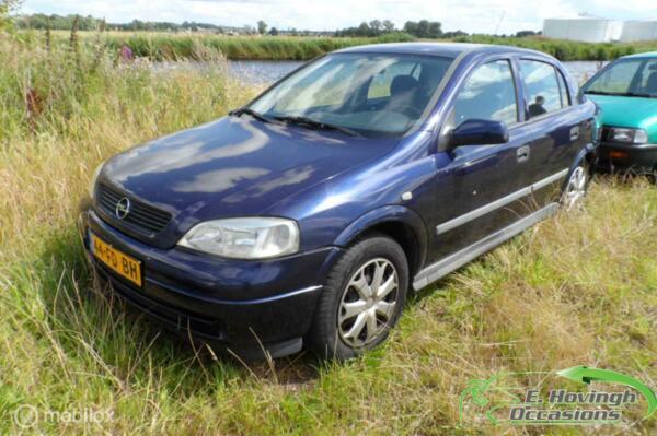 Opel Astra 1.6-16V Pearl Export