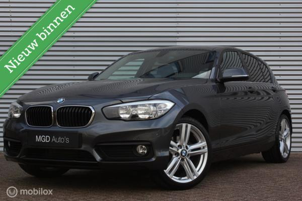 BMW 1-serie 118i Sport Automaat /LED/APPS/CRUISE/STOELVERW./18 INCH/BLUETOOTH/PDC!