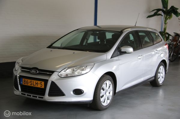 Ford Focus Wagon III 1.6 TI-VCT Trend