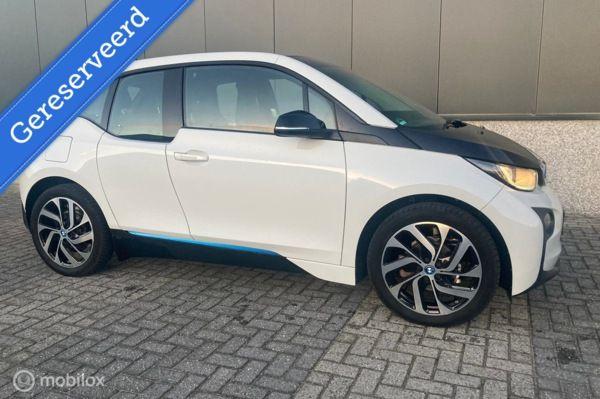 BMW i3 Basis Comfort 22 kWh AUTOMAAT AIRCO GERESERVEERD