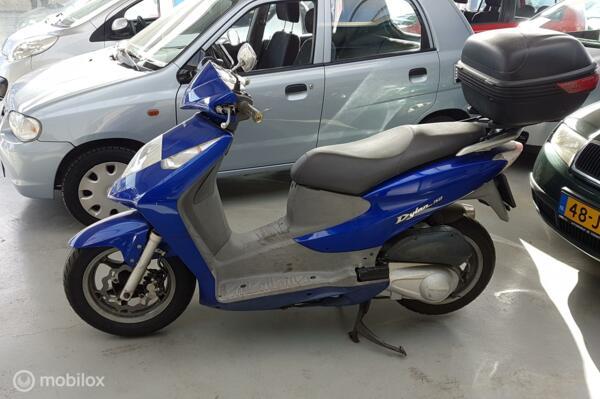Honda SES 150 Dylan