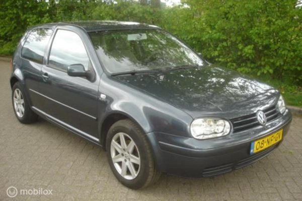 Volkswagen Golf - 1.6 I 16V airco - cruise Distributie defect