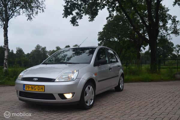 Ford Fiesta 1.4-16V First Edition Automaat