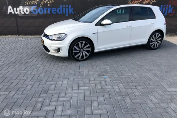 Volkswagen Golf 1.4 TSI GTE Panoramadak,leer,Led 44000 km Bj 2014