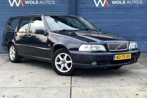 Volvo V70 2.5 Europa / 7 PERSOONS / NWE DISTR.RIEM / AIRCO / YOUNGTIMER!