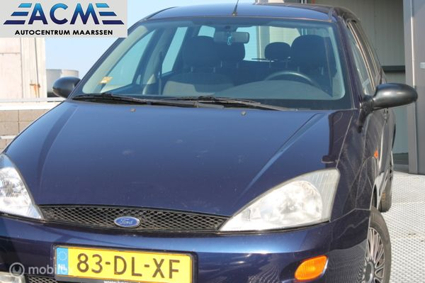 Ford Focus Wagon I 1.6-16V Trend