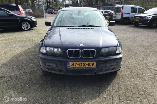 BMW 3-serie 323i Executive voor onderdelen